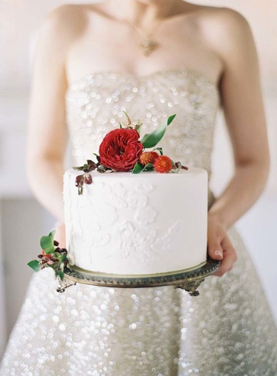 Petite Wedding Cake with a Sparkling Gown | Caroline Tran Photography | http://heyweddinglady.com/sparkling-valentines-day-ideas-pink-red/