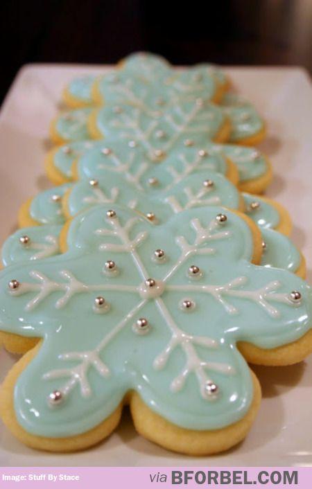 The Prettiest Snowflake Sugar Cookies Ever…