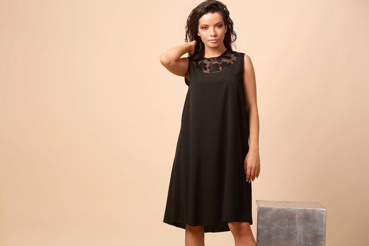 Sophisticated and natural SUMMER17  YOKKO #lbd #party #eveningdress #black #woman #summer17 #fashion #style #yokko #beauty