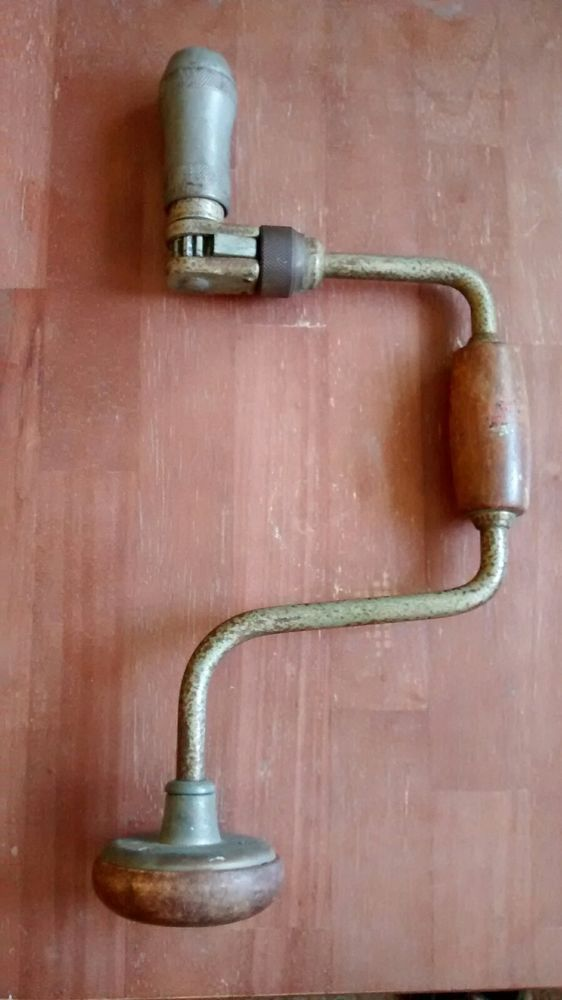 "Looks like a Sears Craftsman Auger Brace Bit Hand Drill 10"" Great condition. 