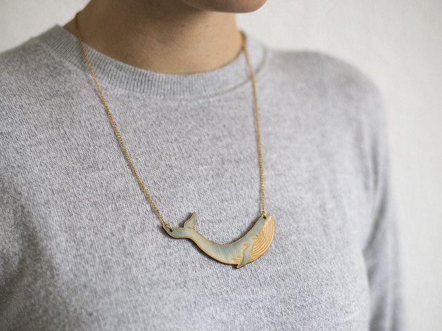 Originelle Halskette mit Blauwal als Anhänger, handbemalt auf Birkenholz / handpainted wooden necklace with blue whale pendant made by AllerliebsteSchwester via DaWanda.com