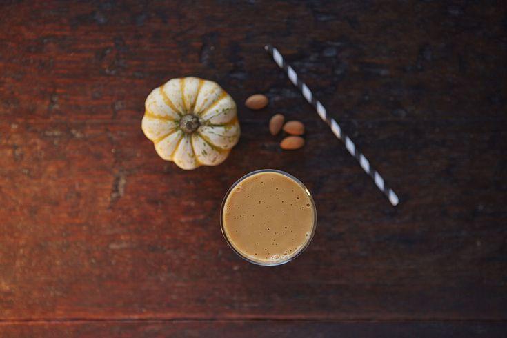 Chai #HerbalifeShake: Add instant tea, 1/2 banana, a sprinkle of ginger, cloves & black pepper to a vanilla #HerbalifeShake. 🥛