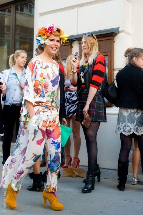 floral: Modern Flowers, Patterns, Tasti Fashion, Fashion Addiction, Flowers Power, London Fashion Week, Street Style, Extraordinary Fashion, Style Fashion