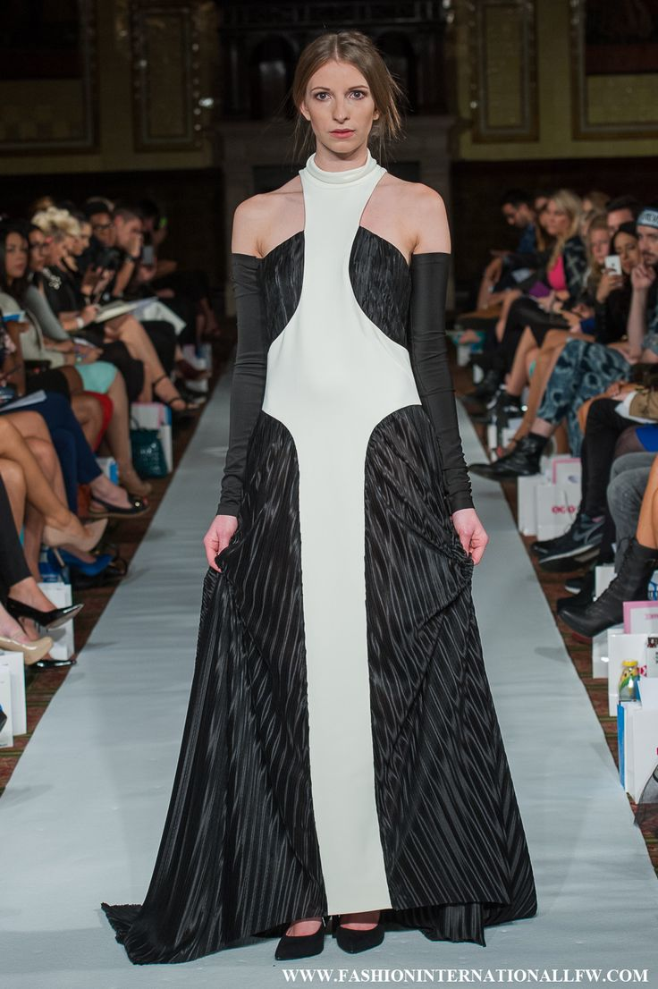 Lenie Boya London Fashion Week Spring Summer 2015 Haute Couture. Futuristic black and white pleated dress, with sculpture details.