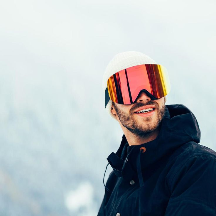 The BSG3 by Blueprint® features all the best technology packed into an affordable snow goggle. Magnetic interchangeable lens systemwith super strong magnets. Snow goggles