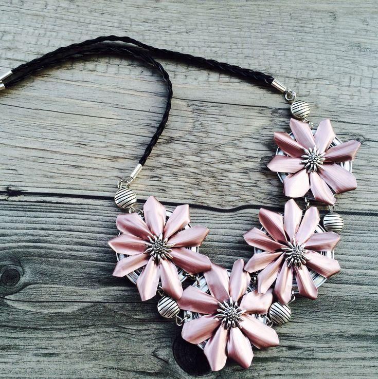 Blumen-Halskette aus Nespresso Kapseln Anleitung hier: http://youtu.be/57C6gBK01Zk