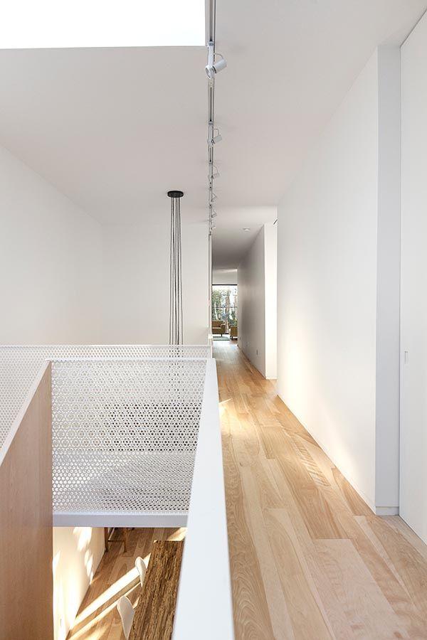 25 beste idee n over geperforeerd metaal op pinterest facades winkel architectuur en - Trap metaal hout ...