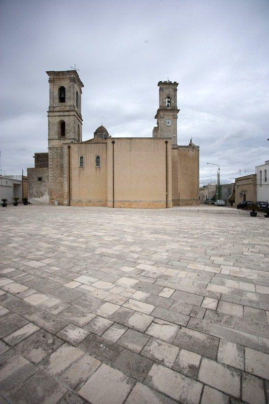 #ArcheologiaIndustriale #Salentowebtv Gli interni sono decorati con i mosaici dei Fratelli Peluso.
