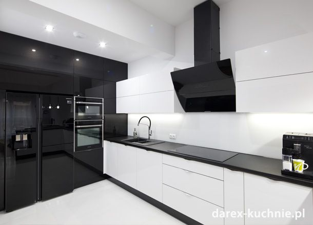 Nowoczesna Biala Kuchnia Z Barem Kitchen Cabinet Design Kitchen Furniture Design Kitchen Interior Design Decor