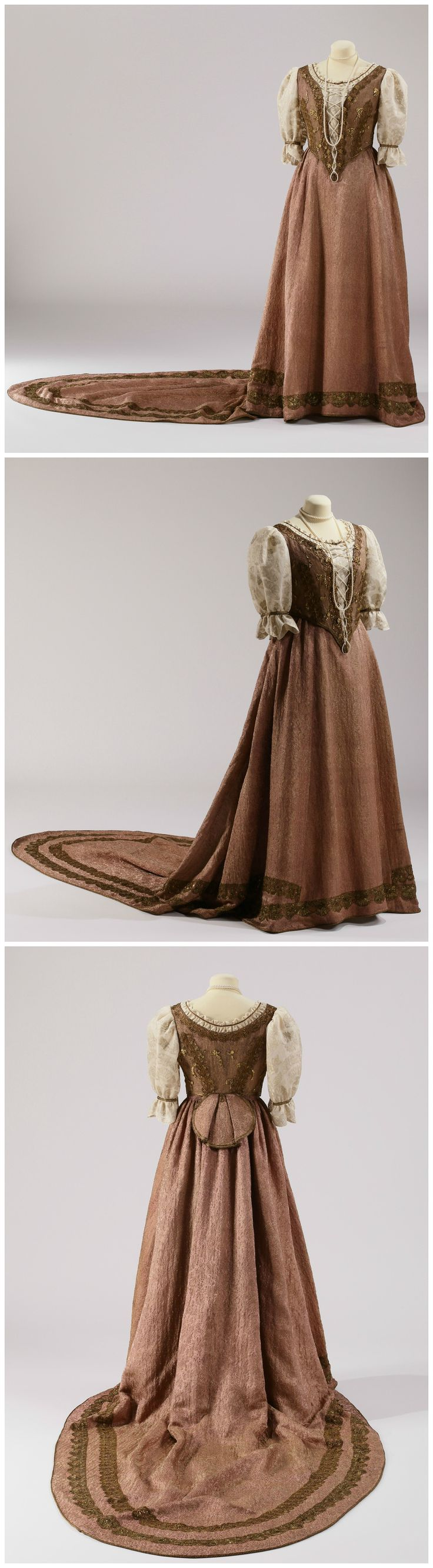 Hungarian court dress, made by the fashion house of József Girardi, Budapest, 1916. Worn by Baroness Ágnes Zeyk, the wife of Count Ádám Teleki, to the coronation of King Charles IV of Hungary in 1916. Collection of Gödöllő Palace (link: http://www.kiralyikastely.hu/tartalom.361.ujabb_kulonleges_mutargyunk).