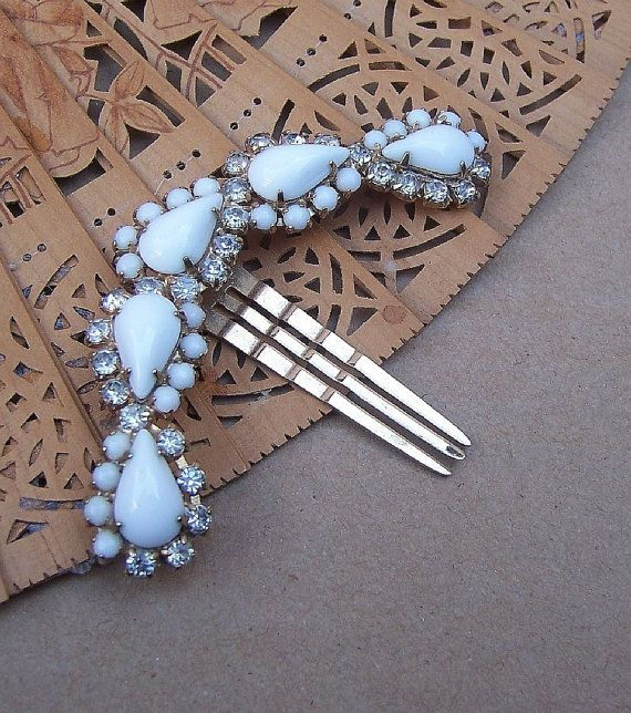 super cute vintage hair comb