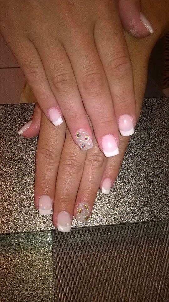 Now our bride is ready!!! #Glitter Nails