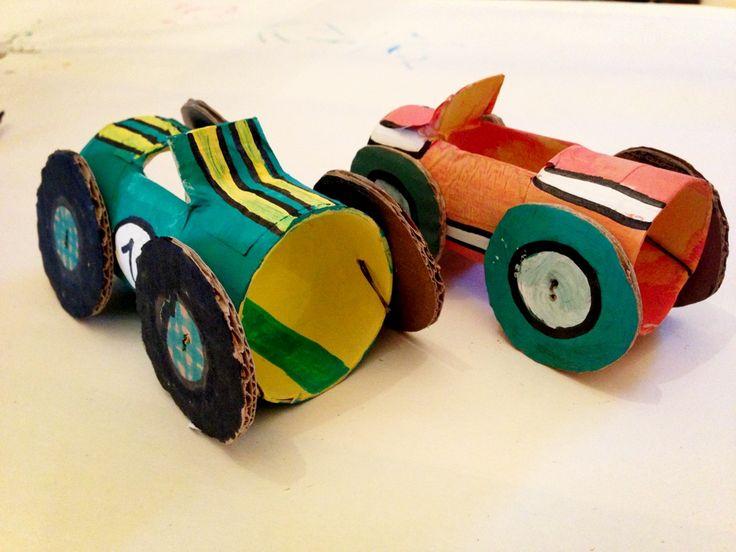 Racing cars through toilet paper rolls DIY  Macchine da corsa con rotoli di carta igienica  www.orsopoetagiocattoli.it