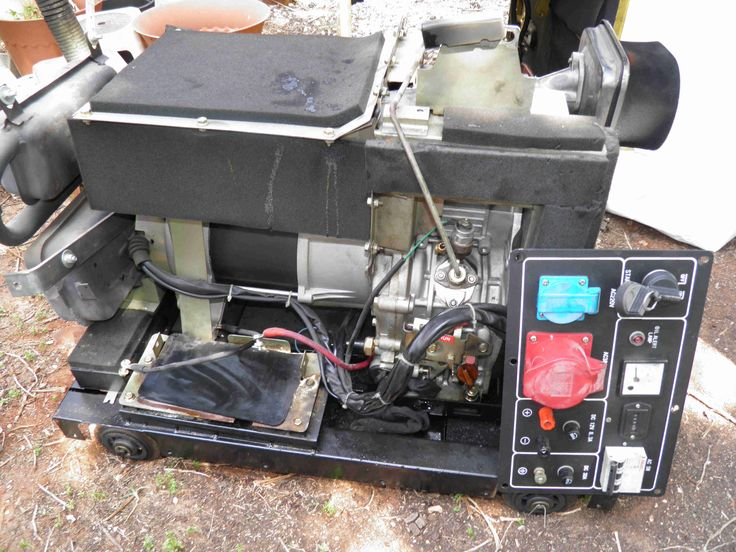 Removing the sound proof canopy of a Kama / Kipor diesel generator. www.nomaallim.com.