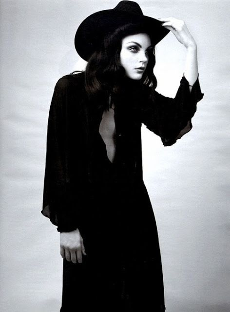 Tyyli + asento UK Fashion Blog/GLITZNGRIME/Sheree Milli: A Boy Named Sue/ Jessica Stam/ W Magazine