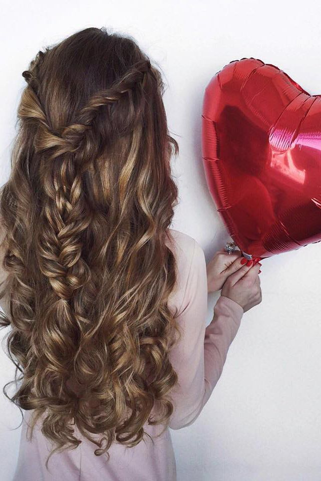 """Curls and Braids on @oleksa.z who is wearing 24"""" Dirty Blonde #LuxyHairExensions for length and highlights. Happy Valentine's Day! <3"""