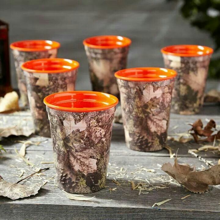 Camo solo cups. I wonder if they come in different colors for the inside!?!?