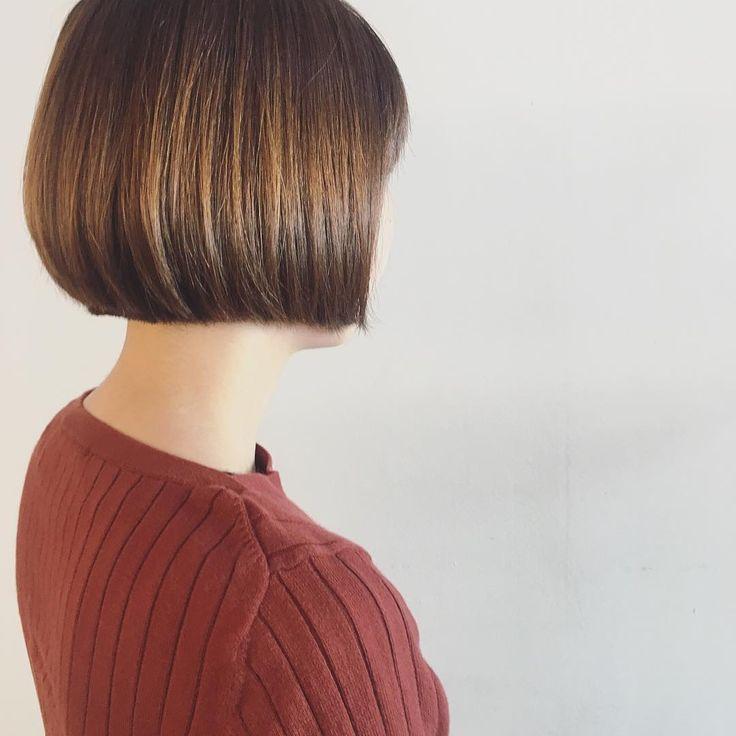 短めボブ 最近は、短めコンパクトボブがブームです♡ #ヘアスタイル#コンパクトボブ#短めボブ#可愛い#秋スタイル#おすすめ#マイブーム#ヘアカット#大阪#梅田#美容師#hairstyle#minimum#bobhaircut#shortbob#boom#autumnstyle#osaka#japan#hairdresser #eminobeoka