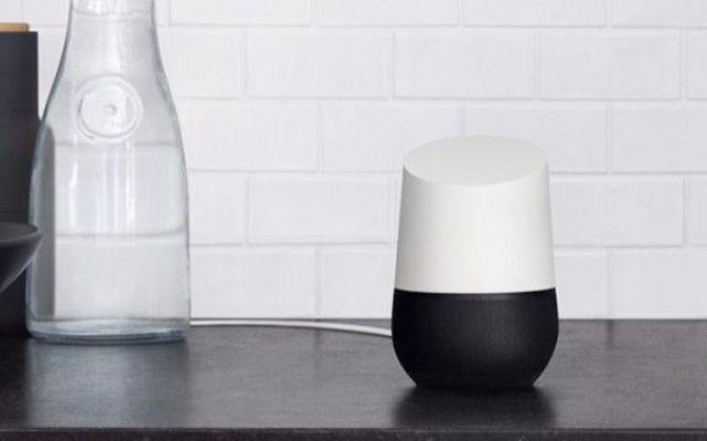 Arriva Home, l'assistente domestico digitale di Google. Cosa sa fare? A quanto pare, in casa avremo un maggiordomo digital-vocale, anche se non è dato sapere se ce lo fornirà l'onnipresente Google, Microsoft, o il gigante dell'e-commerce Amazon. Da un certo punto di vi #google #domotica