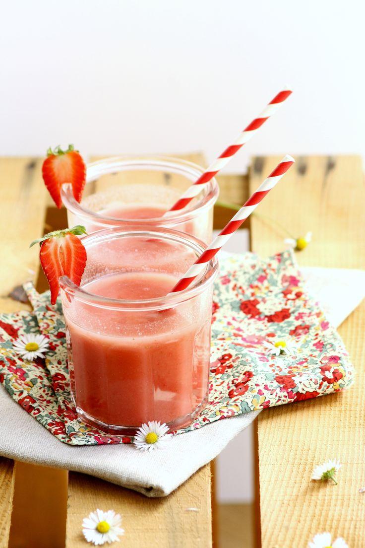 "Smoothie fraise-ananas - par ""Gourmande (ils) disent"""