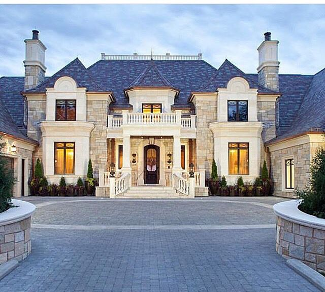 Pretty architectural aesthetic, nice symmetry. Grand ...
