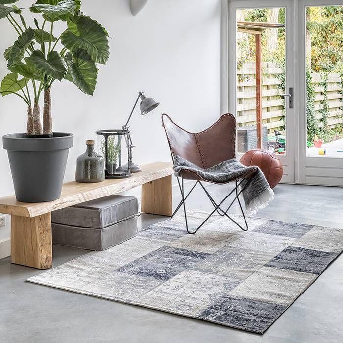 Geef je vloer een extra touch met de vloerkleden van Home Living. Deze winter houd jij warme voeten met een mooi vintage vloerkleed. Meerdere maten...