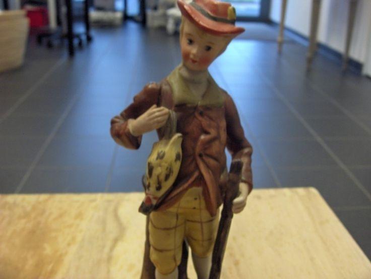 beeldje jager aangeboden in Beelden/ Bronzen en Antiek & Kunst op Koopplein.nl Heerhugowaard, de gratis marktplaats