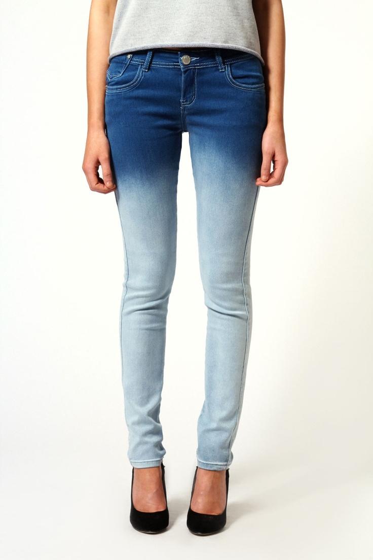 Aveline Ombre Skinny Jeans #denimcraze #Boohoo #DenimDaze