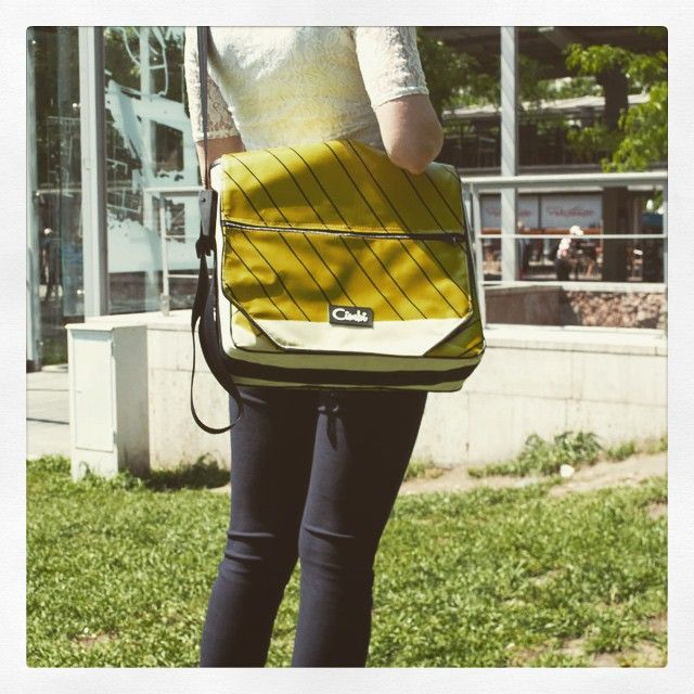Cimbi in the city!  official photoshooting, we are officially superexcited! #cimbi #cimbinsta #recreativity #cimbiinthecity #city #budapest #deak #akvarium #erzsebetter #pall #bag #designer #designerbag #photoshoot #superexcited #friend #buddy