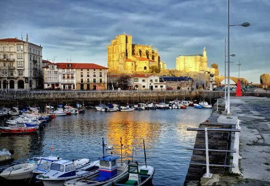 Beautiful hotel in a beautiful town in Northern Spain - Review of Las Rocas Playa Hotel, Castro Urdiales - photo taken by John Carver