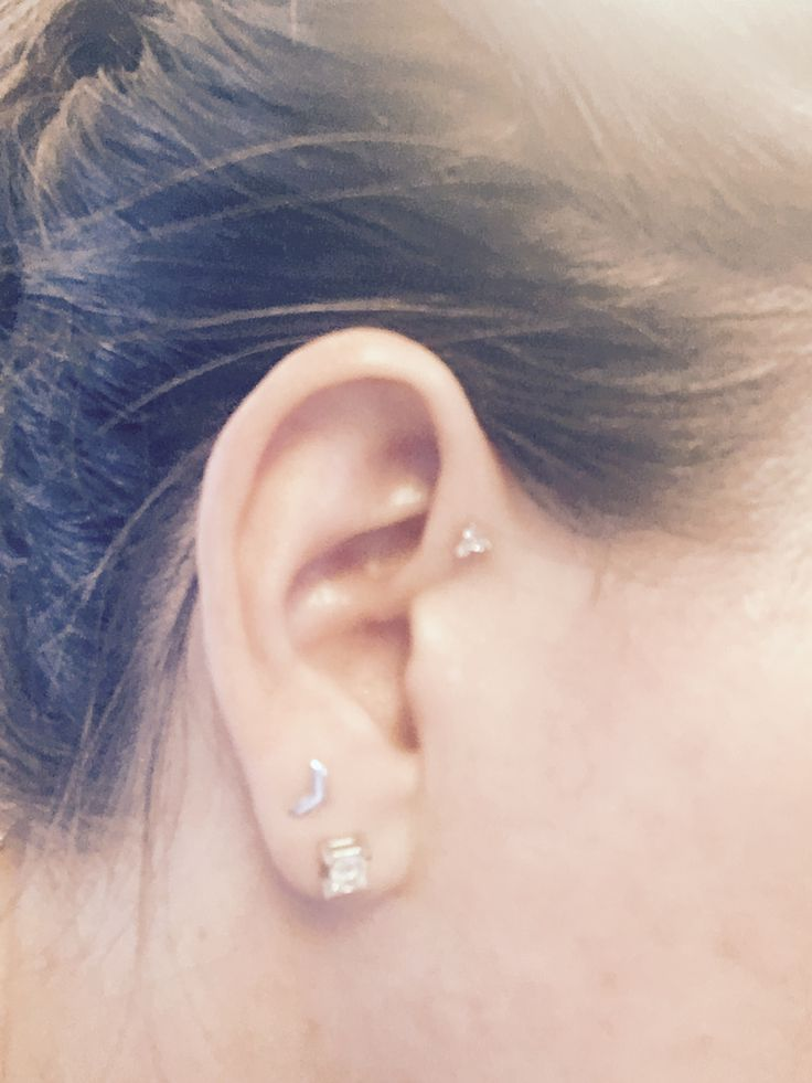 New jewelry for my forward helix ❤️ pretty ears.