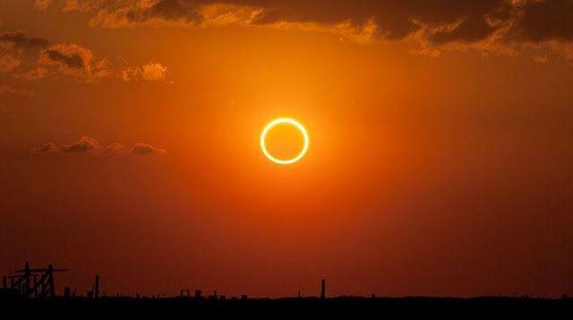 Έκλειψη ηλίου: «Δαχτυλίδι φωτιάς» έκανε τη νύχτα μέρα !    Συγκλονιστικές εικόνες που αναρτήθηκ...