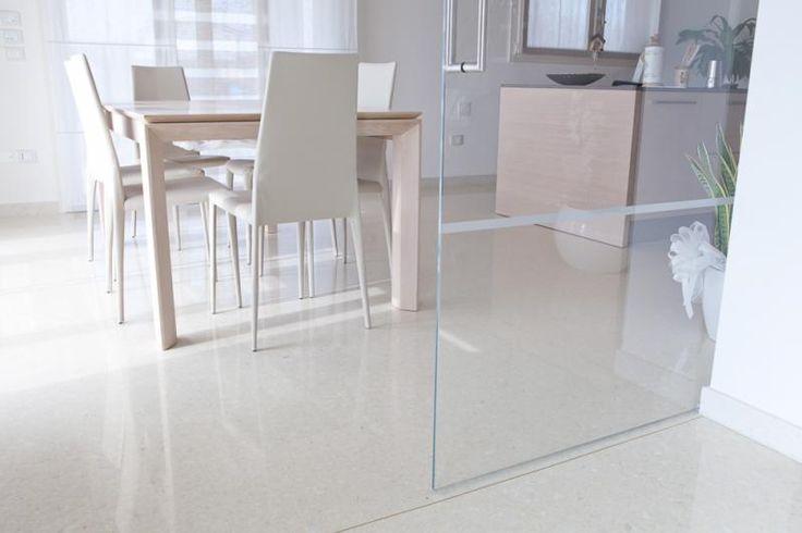 Světlá podlaha z mramoru s vysokým leskem, BOCA Praha. / Marble flooring with high gloss.  http://www.bocapraha.cz/en/product/1060/lixio/