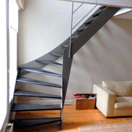 Moderne stalen trap met donker houten treden KWT26