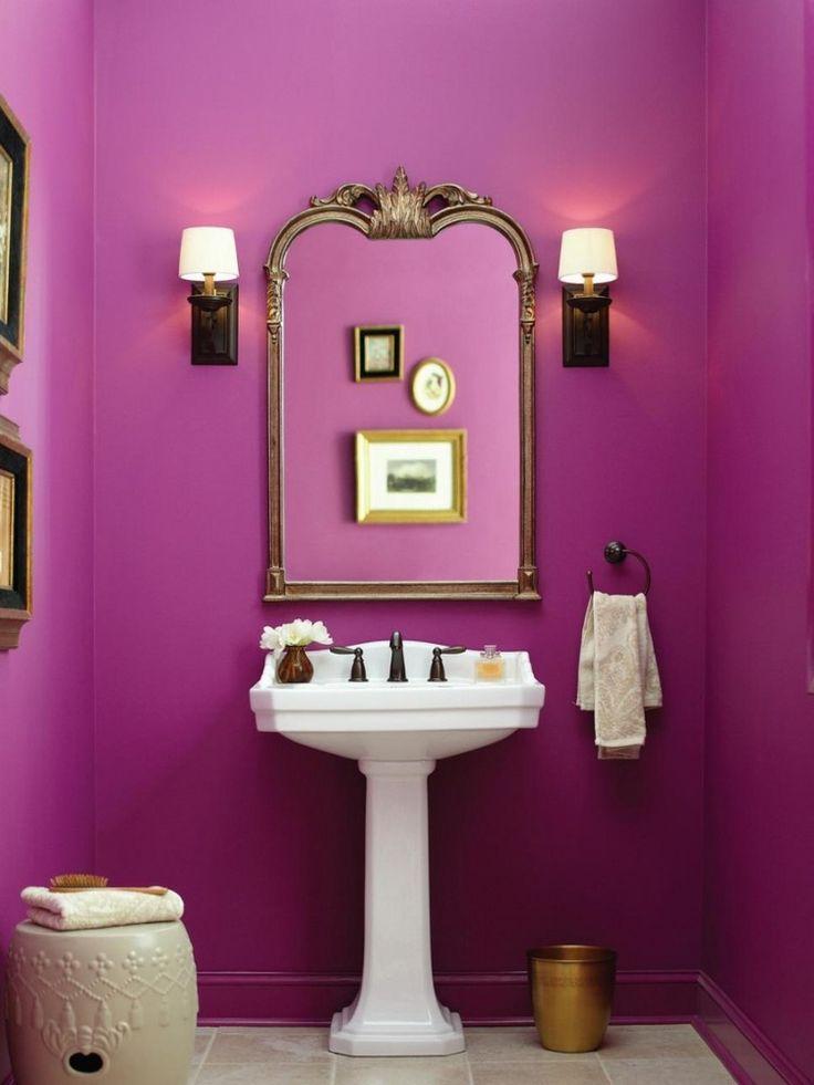 peinture salle de bain murs en rose intense lavabo design et miroir art dco - Salle De Bain Baignoire Rose