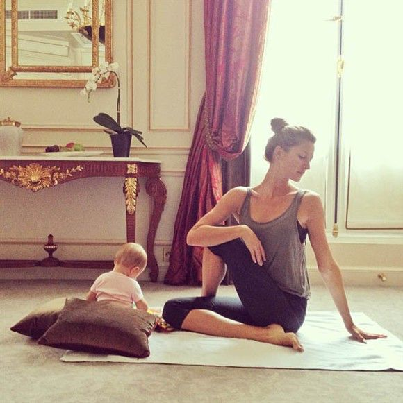 Gisele Bundchen Does Yoga With Daughter Vivian, 11 Months, For Second Time | Gallery | Wonderwall