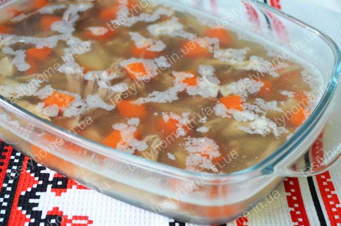 Холодец из свиной рульки с овощами. Пошаговый рецепт приготовления холодца из рульки с фото.
