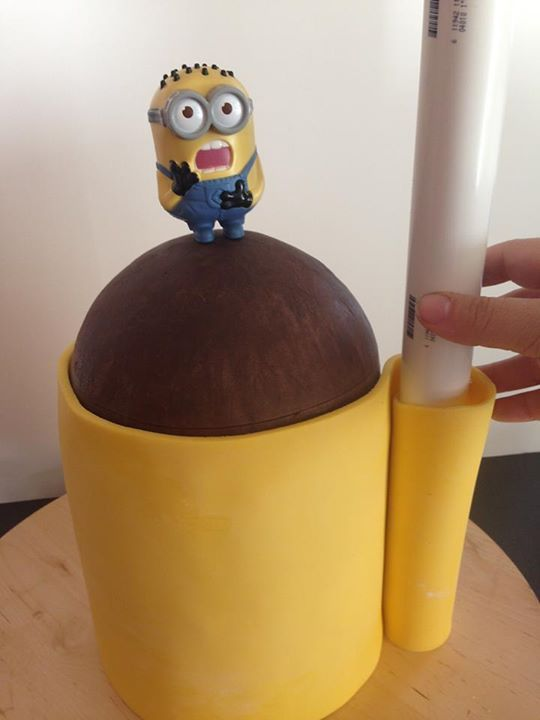 Minion cake tutorial - with templates
