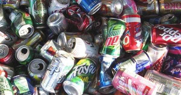 There are countless things you can do with leftover aluminum cans. Recycling them is just one (admittedly fantastic) option. Instead of dropping them off at a recycling center in exchange for money, why not keep them, melt them, and make something incredible?