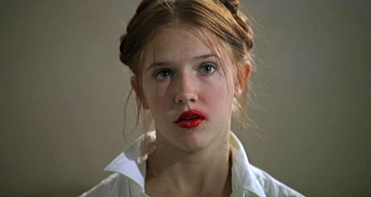 """""""A Lolita do romance é vítima do abuso cometido por seu padrasto"""""""