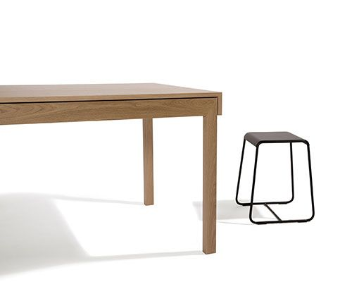 L Dining Table | District 1800 x 800