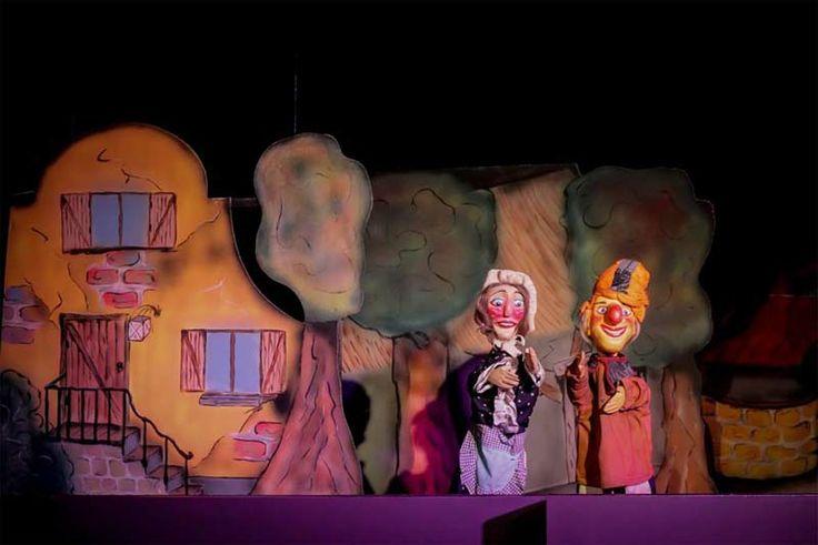 Het Land van Jan Klaassen in Braamt (Gelderland) Een ontzettend leuk dagje uit voor kids t/m 8 jaar. Een hele leuke grote buitenspeeltuin en ook nog een binnenspeeltuin voor bij minder weer. En het allerleukste de grappige voorstellingen in het grootste poppentheater van NL. De kids hadden het er weken later nog over. www.janklaassen.nl