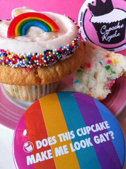 Cupcake Royale has a gay pride cuppie!Equality Right, Lesbian Fun, Gay Community, Cupcakes Royal, Kayla Cupcakes, Pride Weeks, Food Drinks Recipe, Bit Gay, Gay Pride