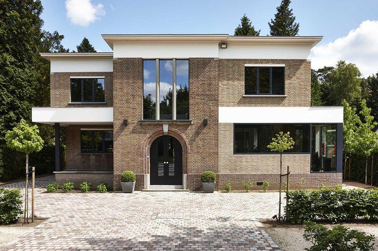 exclusieve villabouw ● renovaties ● verbouwingen ● interieurs ● architectuur