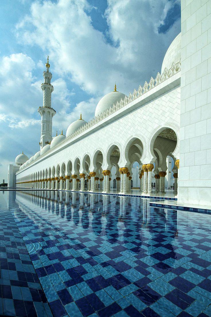 Grand Mosque, Abu Dhabi, UAE Such A Beautiful Place MashAllah