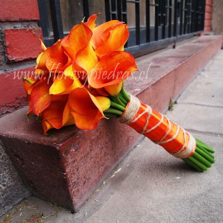 Mini calas naranjas Diseño Flores y Piedras www.floresypiedras.cl