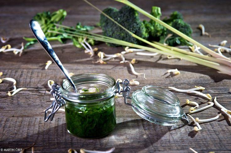 Brokolicové pesto s cesnakom