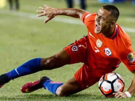 Alexis Sánchez: así le quedó el tobillo tras pisotón de Gabriel Mercado en final de Copa América.
