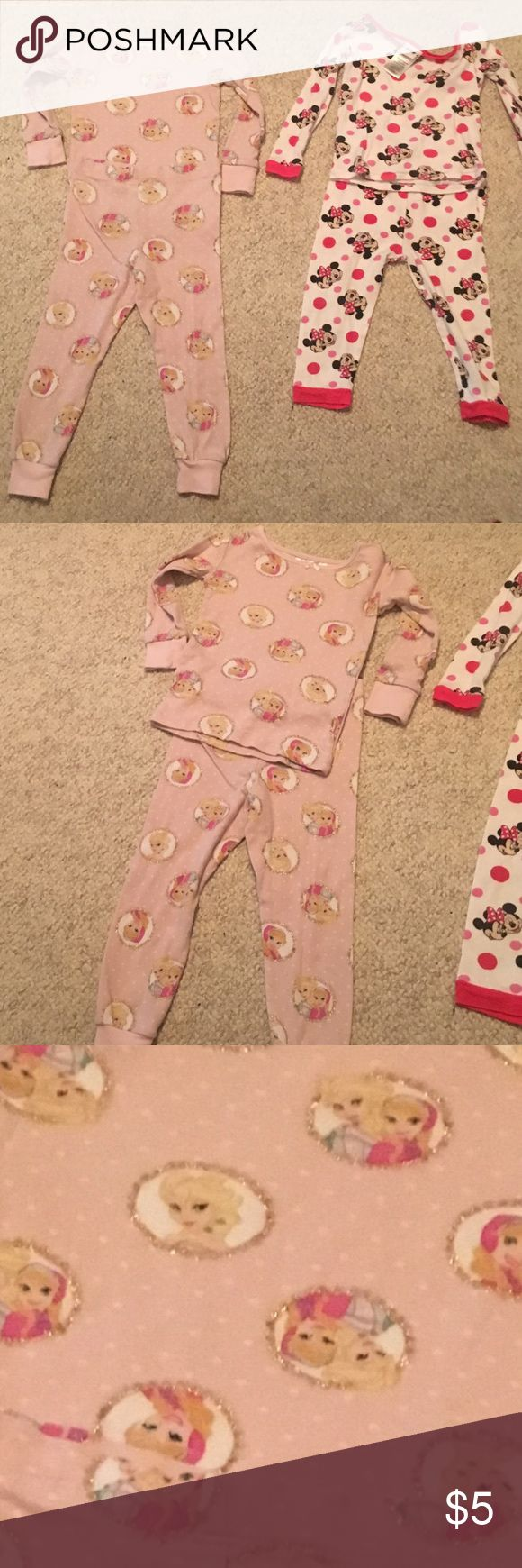 2 pairs of baby girl pajamas 24months &36 months 2 pairs of baby girl pajamas sets 24months &36 months One by H&M and the other by Disney in good condition #326 Pajamas Pajama Sets
