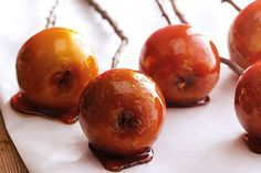 Tover die gewone appel om tot een heerlijke zoete karamelappel, een echte traktatie - Recept - Allerhande